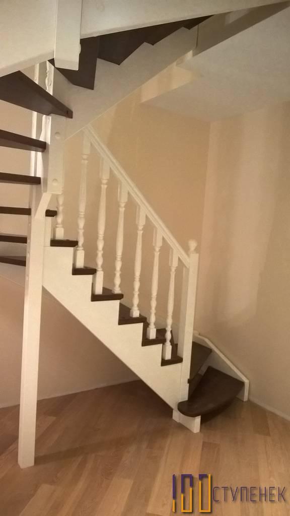 П-образная лестница из бука