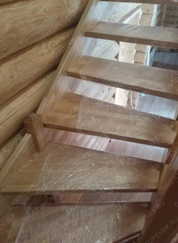 Ступени березовой лестницы