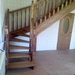Г- образная лестница на второй этаж