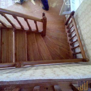 Лестница с поворотом на 90 на второй этаж