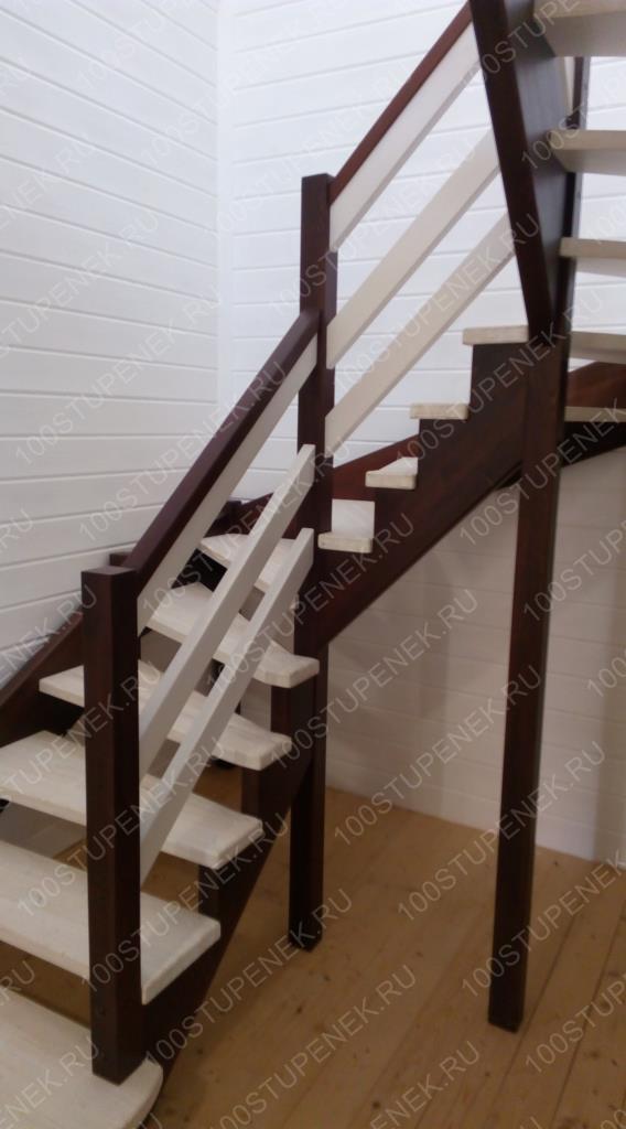 Лестница на второй этаж 180