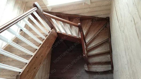 Забежная лестница из сосны
