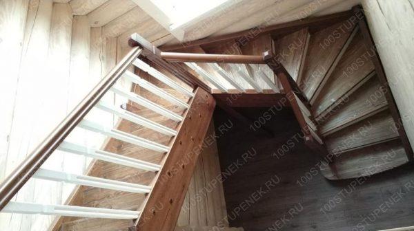 Загородный дом П-образная лестница