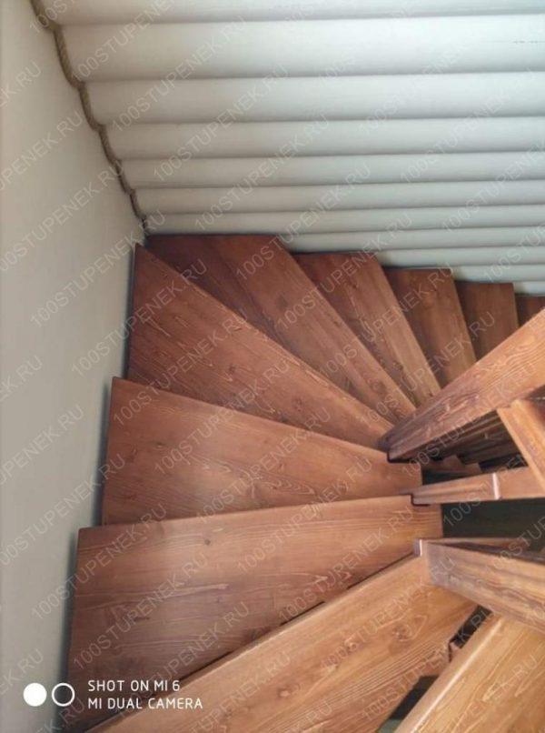 Лестница с забегом