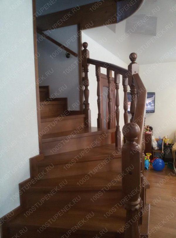 Лестница на второй из бука