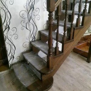 Лестница из лиственницы