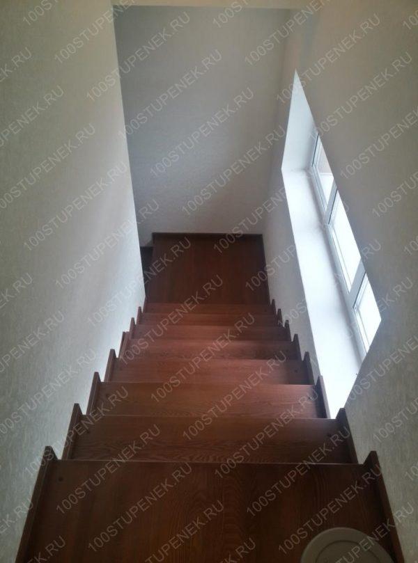 Лестница из дуба и бетона