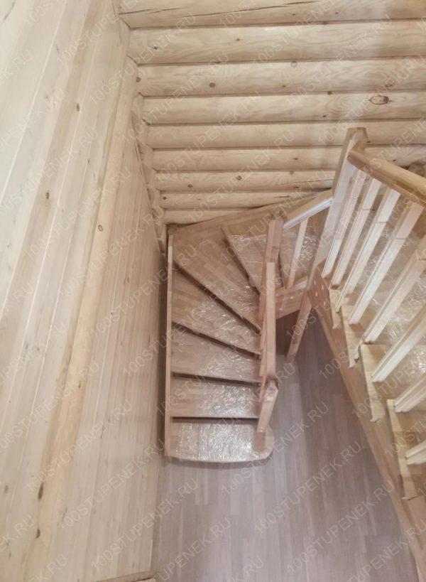 П-образная лестница из березы