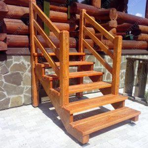 Прямая лестница для крыльца