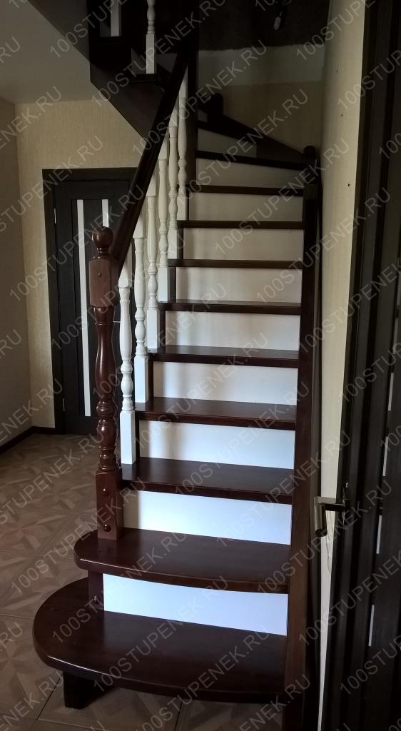Лестница из сосны в Тарусе