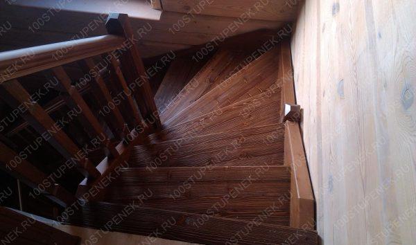 Лестница в Тарусе П-образная