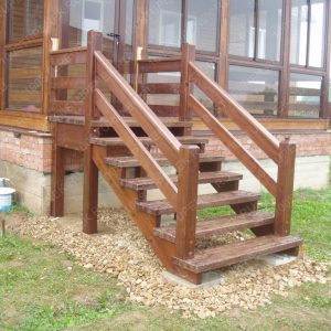 Лестница к крыльцу