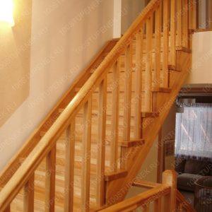 Деревянная лестница Воскресёнки